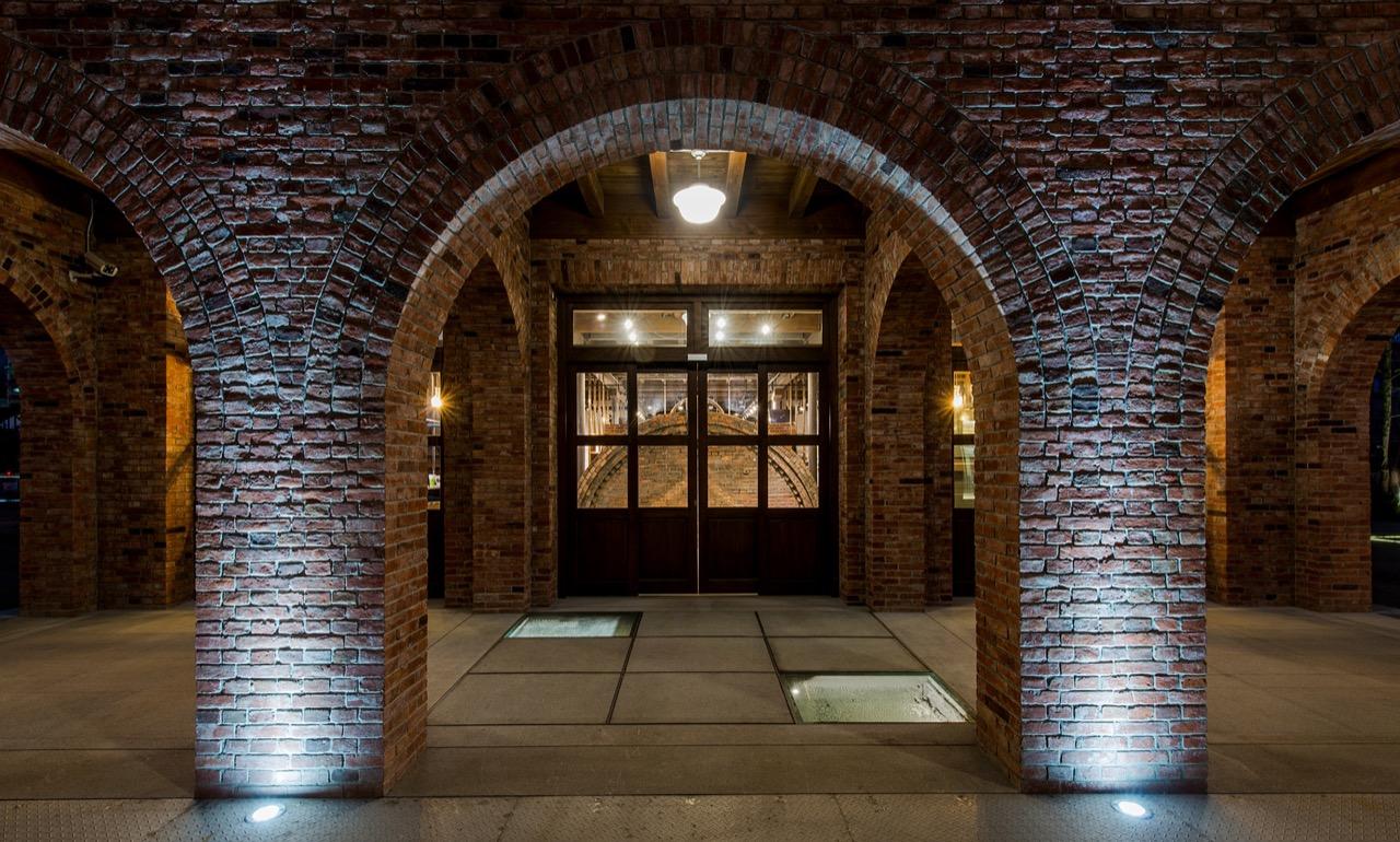 三井倉庫168夜間外觀