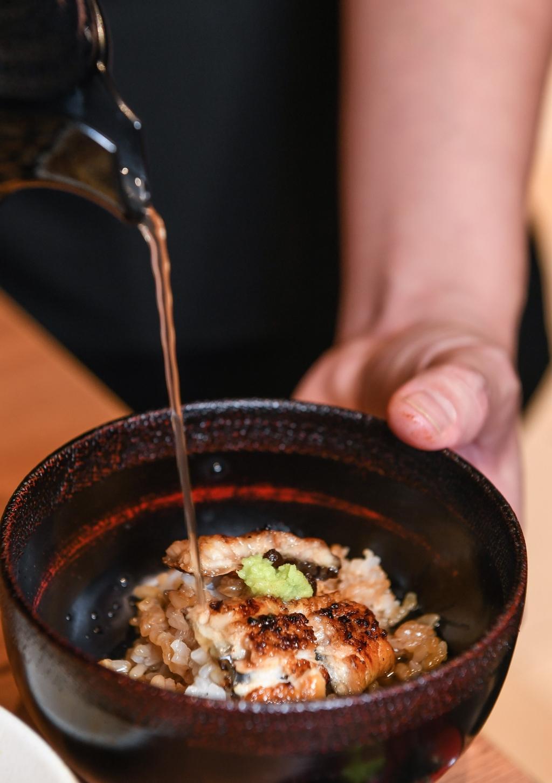 主打鰻魚三吃的「鰻櫃御膳」