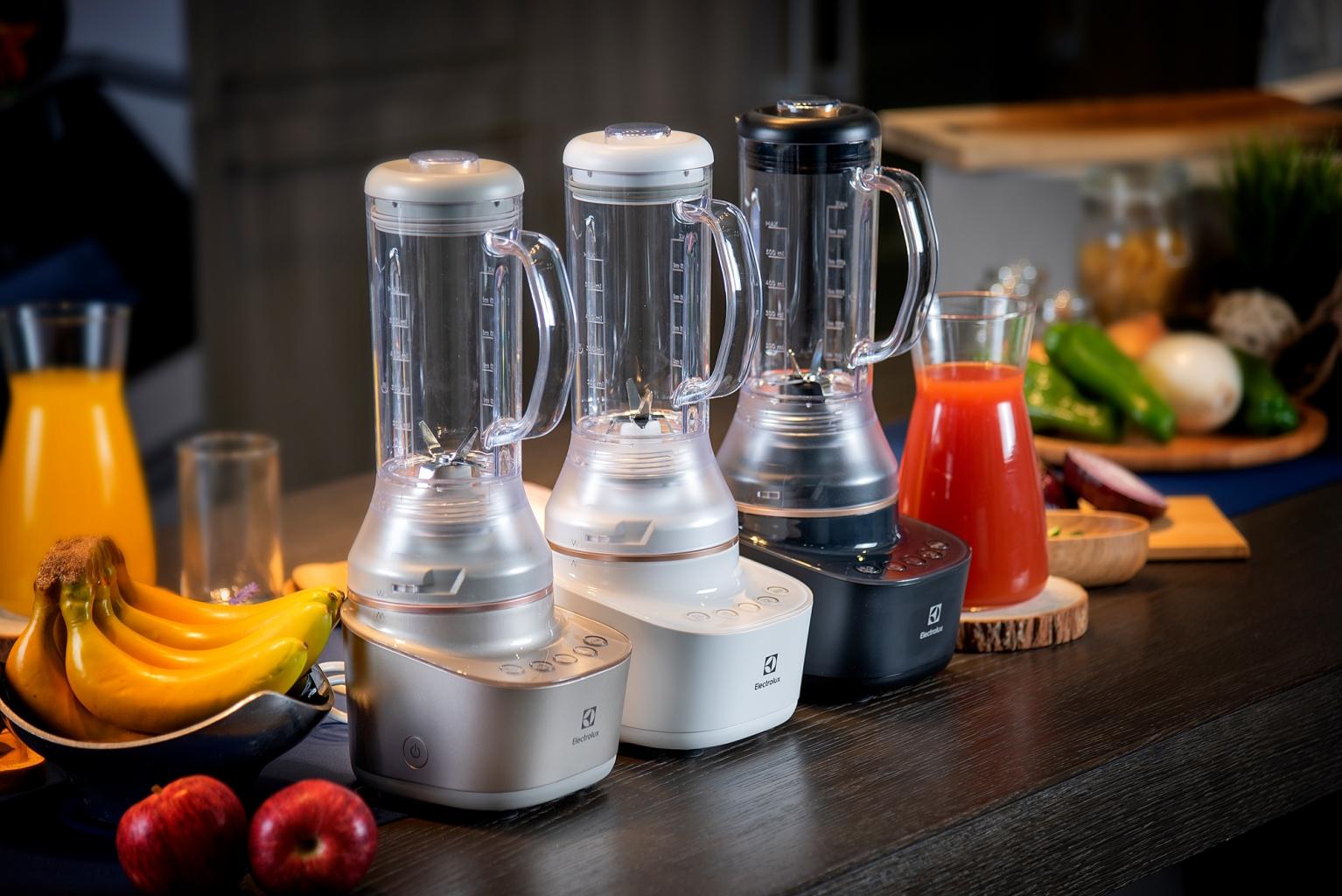 伊萊克斯主廚系列迷你高效果汁機,可依照需求挑選合適規格。