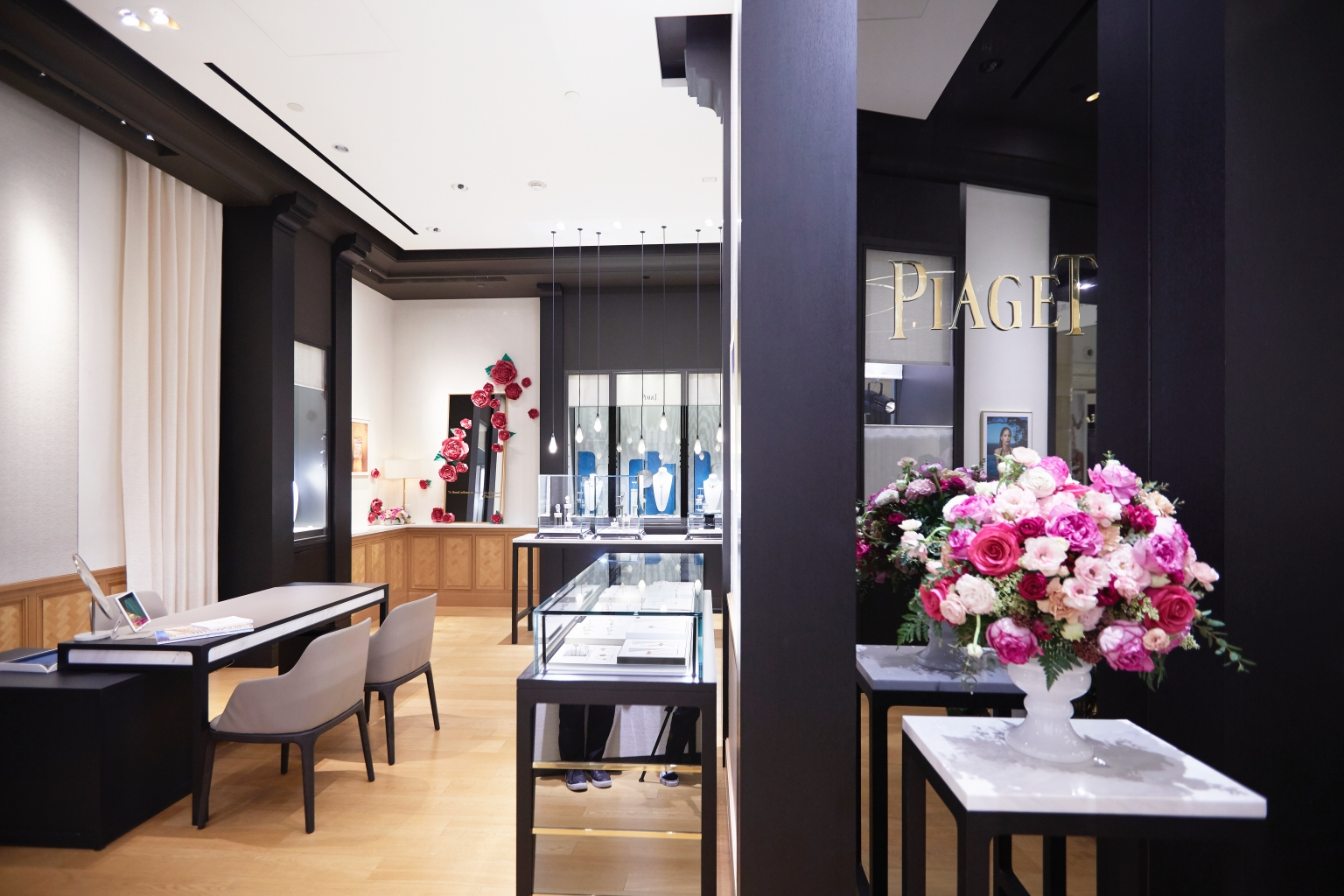 伯爵舉辦「與傳奇玫瑰的浪漫邂逅」記者會 專賣店於4月24日至4月30日化為浪漫玫瑰花坊(6)