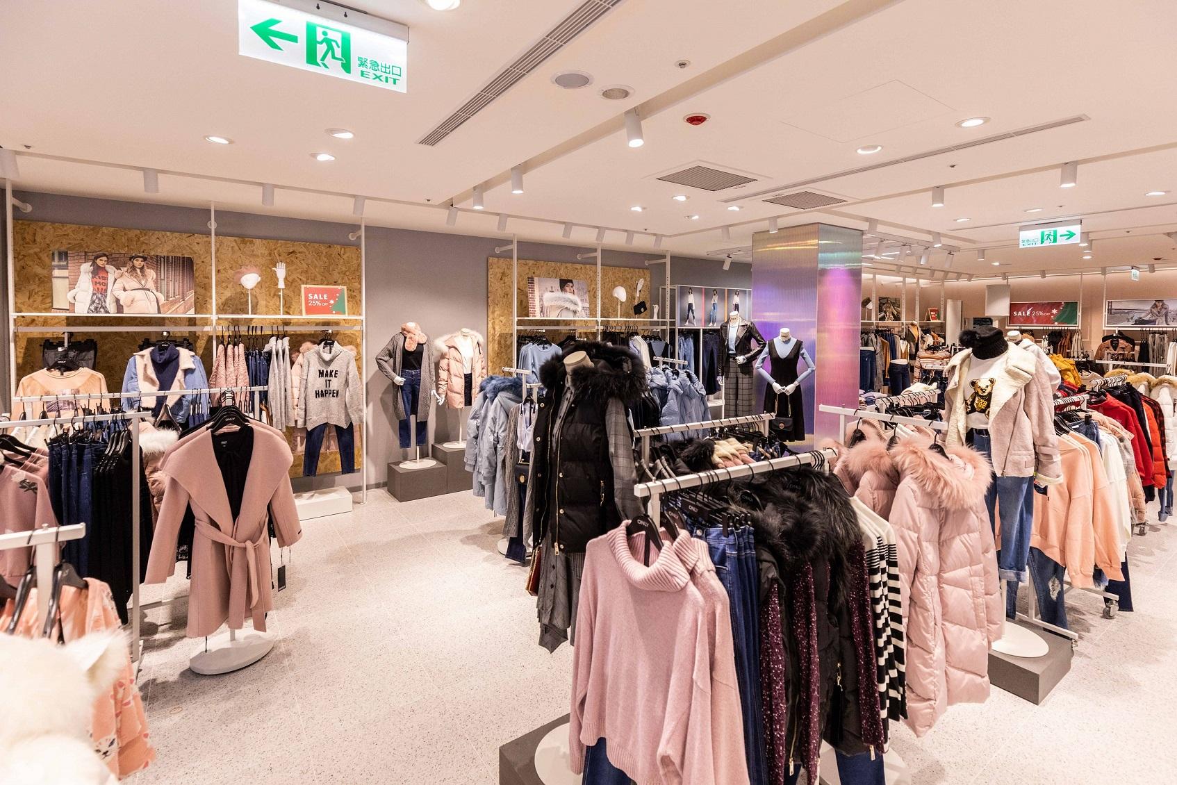 全店120寬敞購物大空間 週週新品同步全亞洲