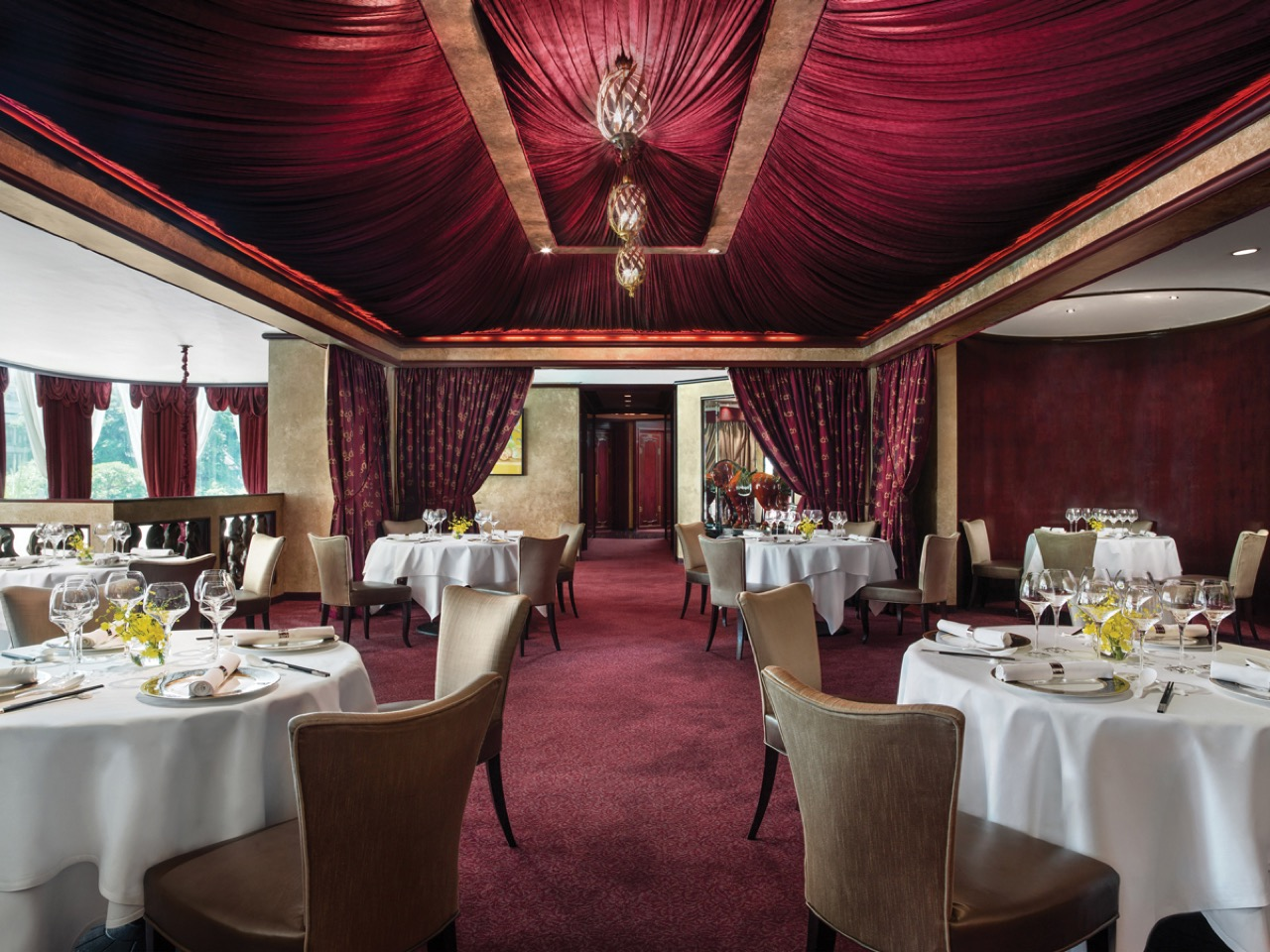 Tang Court Cantonese Restaurant Hong Kong Dining