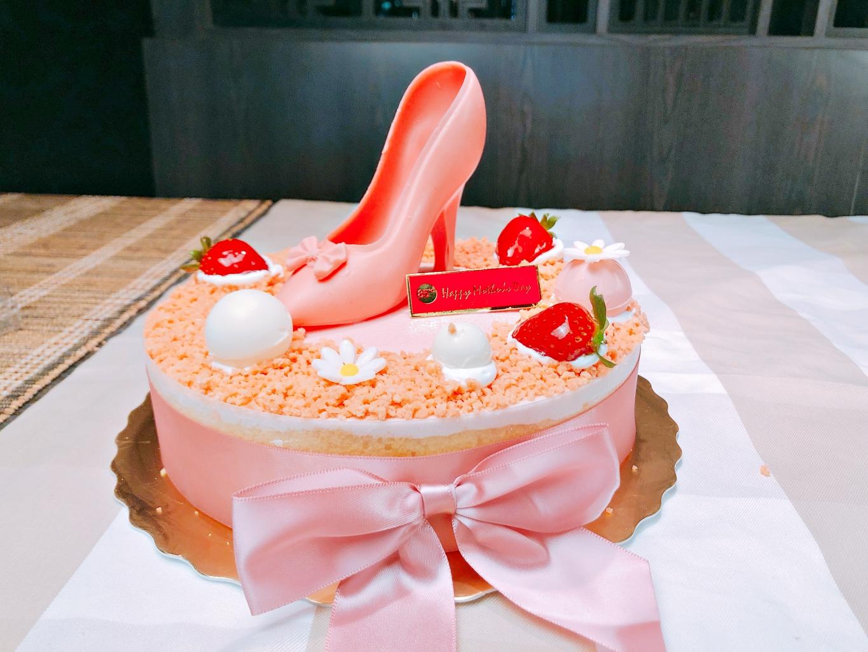 她的高跟鞋蛋糕