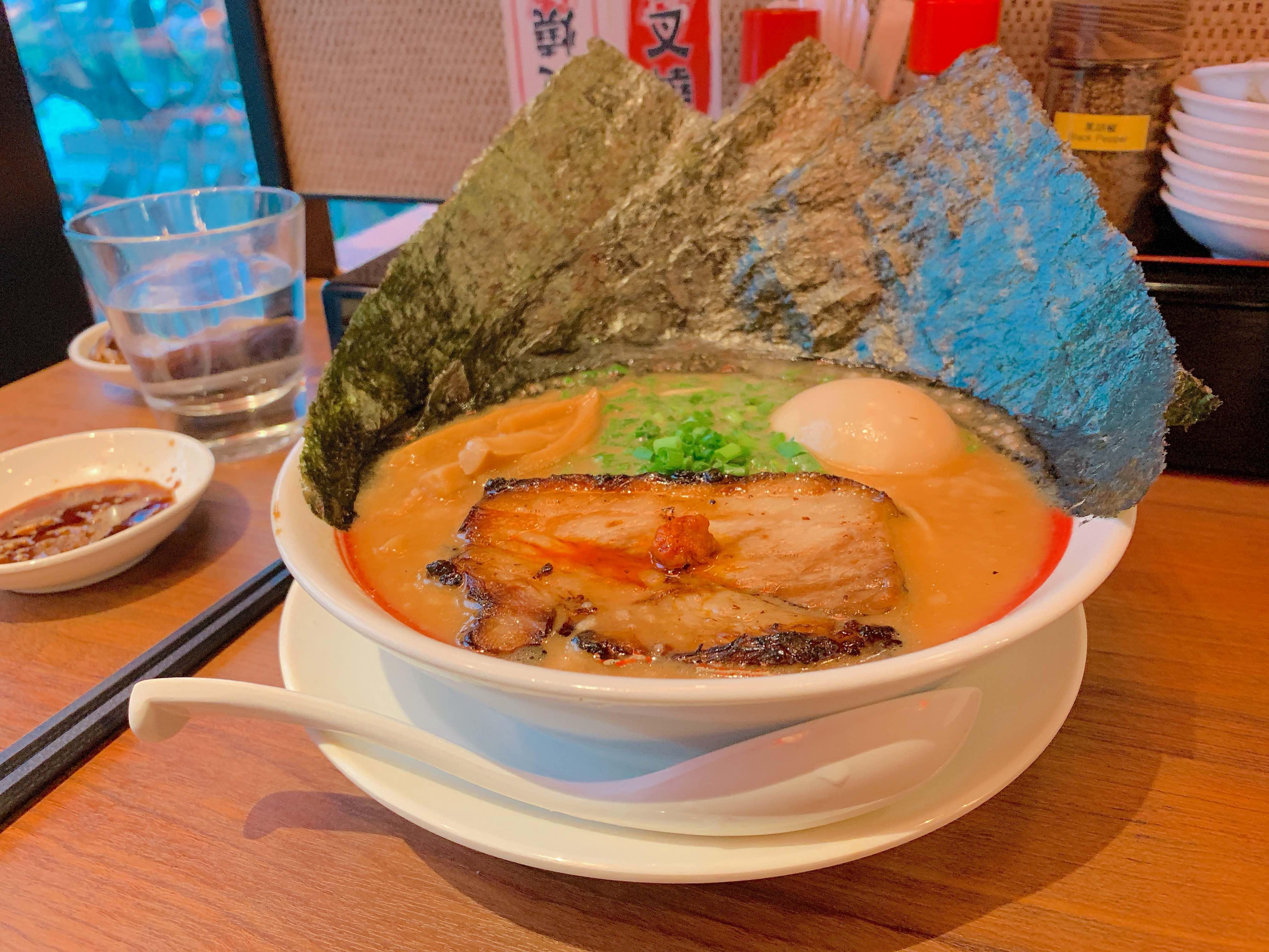 廣島最強濃厚豚骨拉麵「霸嗎拉麵」