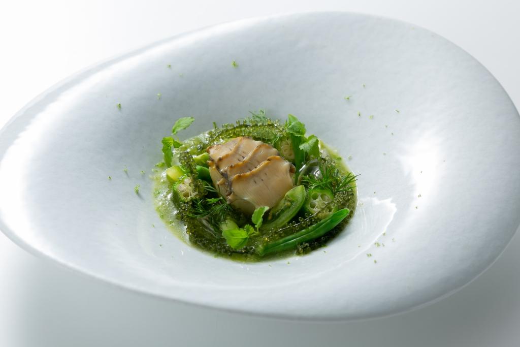 昆布鮑魚蔬菜冷湯香料蚌汁米茄