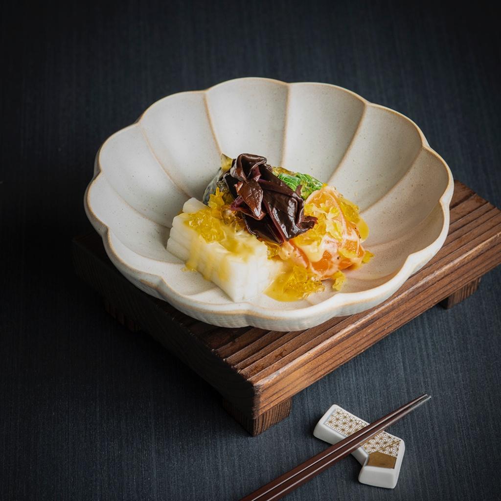 炙燒鮭魚沙拉柚子味噌檸檬高湯凍