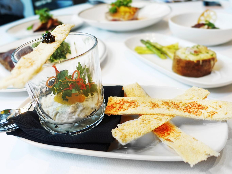 煙燻海鱺日耶特 佐魚子醬