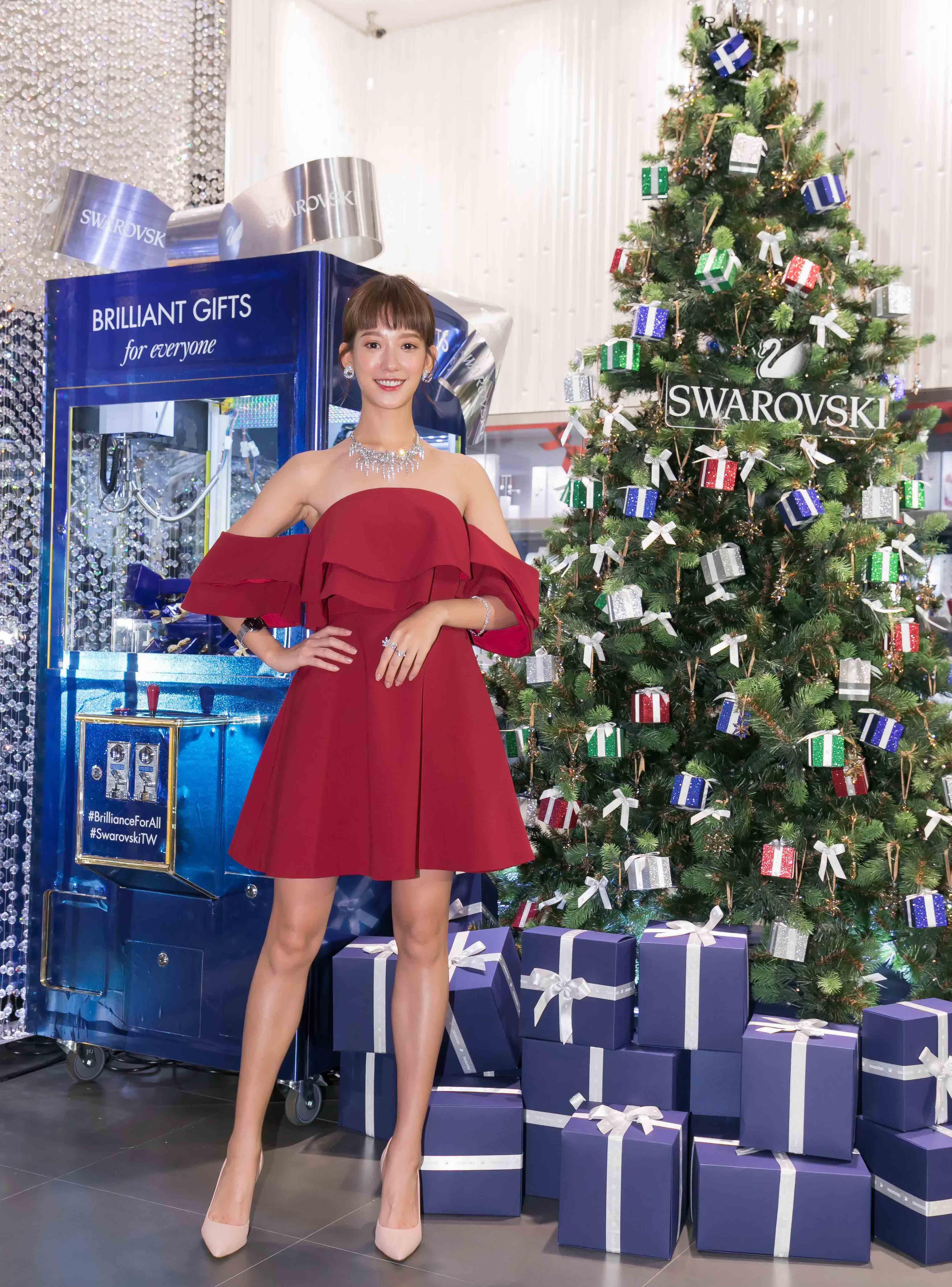 熱愛耶誕節的孟耿如出席swarovski舉辦的節慶新品發表