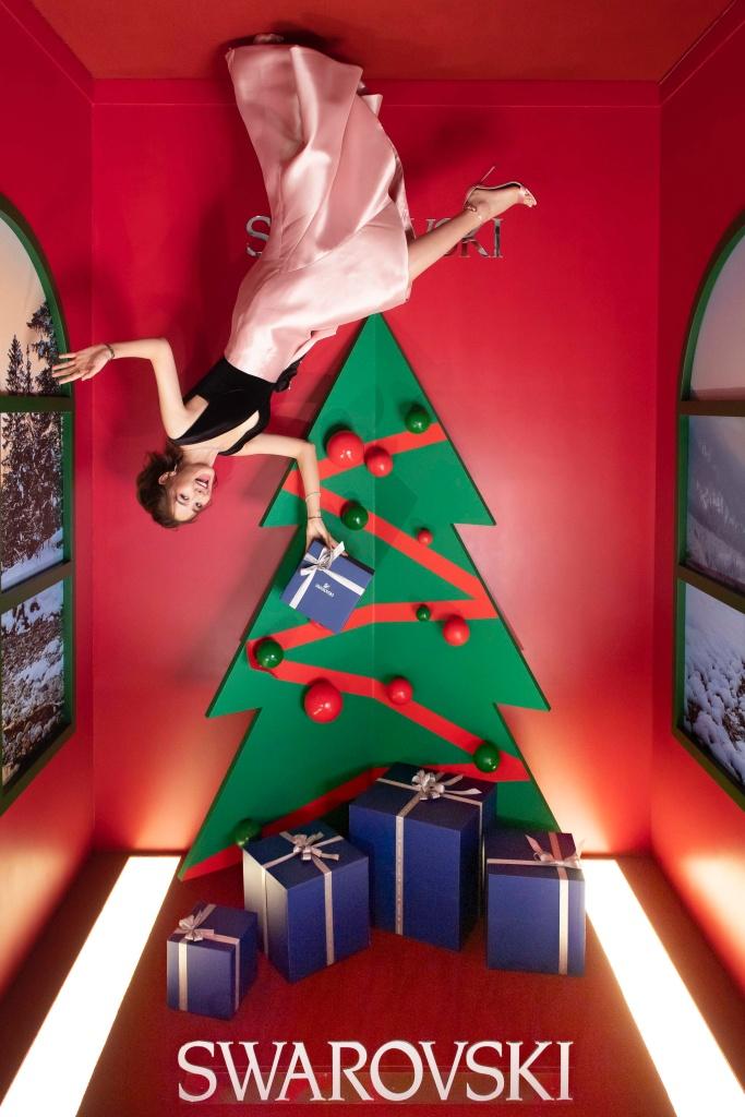 百變女神安心亞出席施華洛世奇聖誕概念店