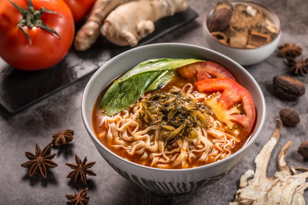 薑燒番茄湯麵1