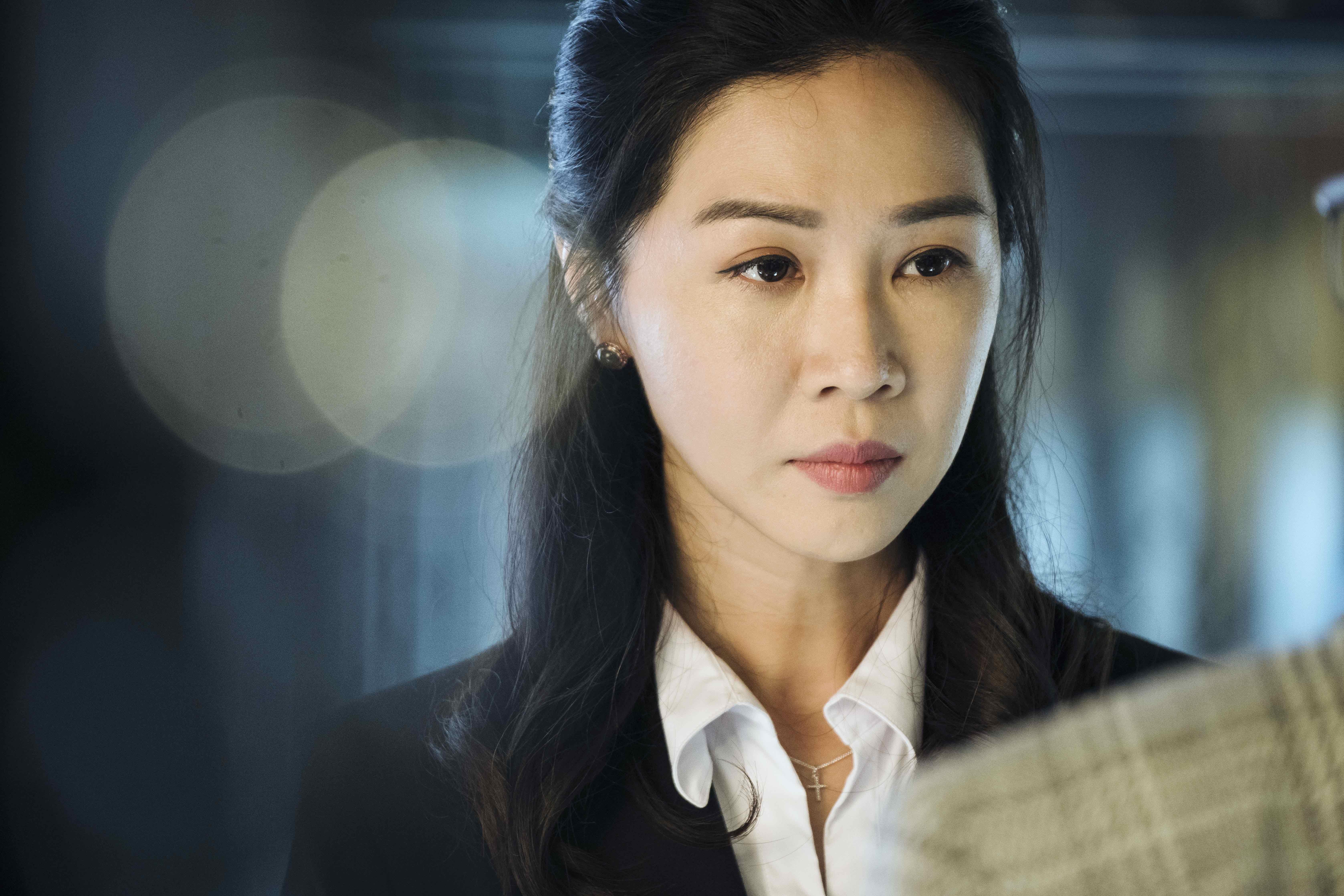 謝盈萱在《魂囚西門》中是一位被流氓鬼附身的珠寶店經理