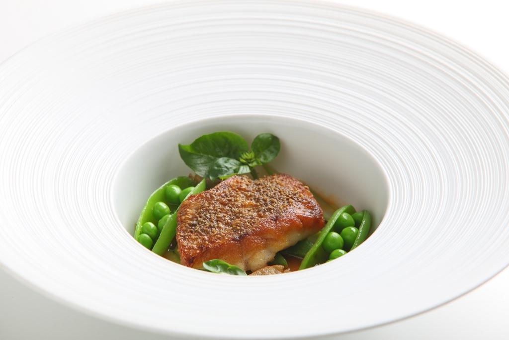 香煎鮮魚香料蔬菜醋醬汁