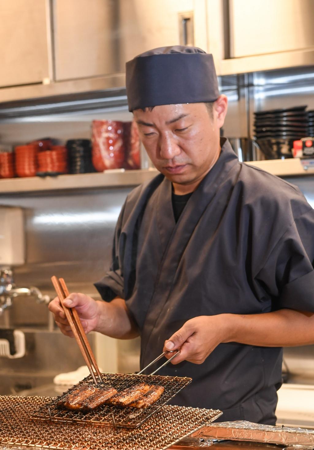 鰻重總本家以職人的堅持與心血打造出豐腴軟嫩的鰻魚滋味