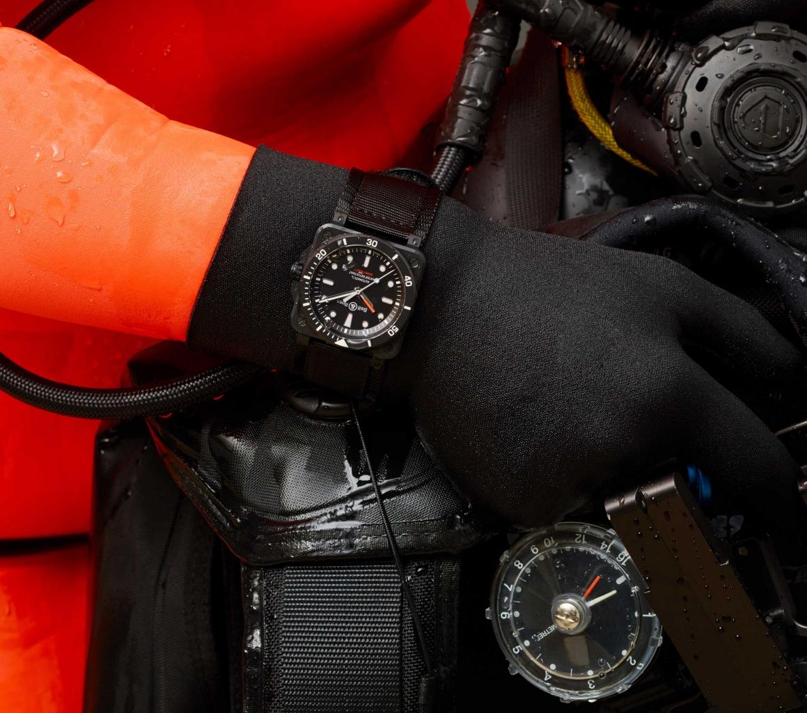 Br03 92 Diver Ceramic一體成型黑陶瓷潛水錶