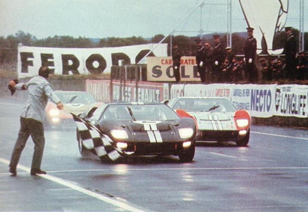 Ford在1966年的利曼24小時耐力賽成功打破ferrari五連冠紀錄