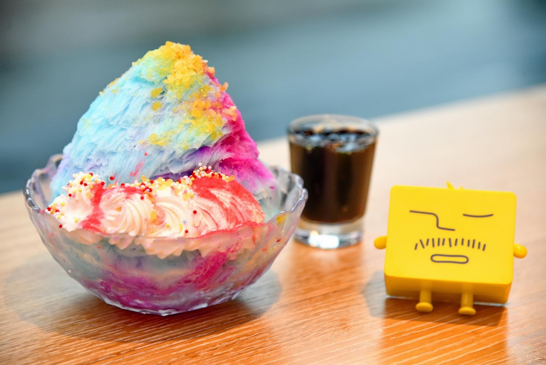 Ice Monster永康創始店新店限定「獨角獸綿花甜」是視覺和味覺的雙重饗宴,讓人重拾童年最純真的歡樂時光 !