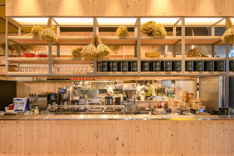 Yabi Kitchen半開放式廚房,不論視覺或嗅覺都能感受獨特的美味體驗
